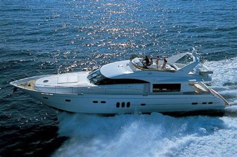 2004 Princess 23M Power Boat For Sale - www