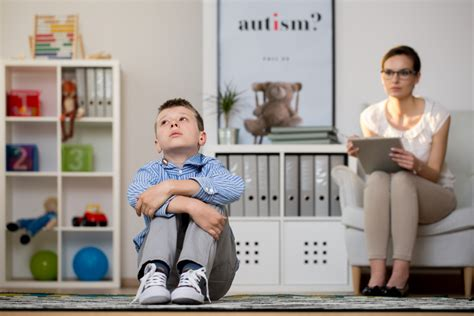 Symptoms of Asperger's Syndrome: Know the Signs   ActiveBeat