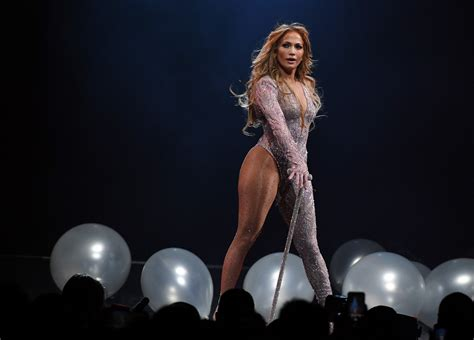 Jennifer Lopez Performs in Tel Aviv, Israel, For the First