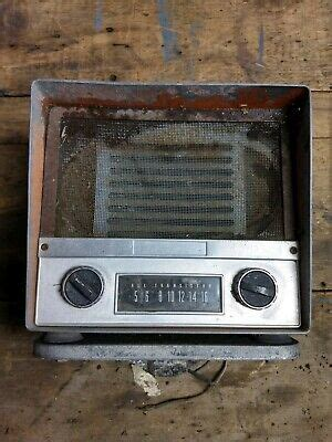Fender Mount Tractor Automatic Radio red International