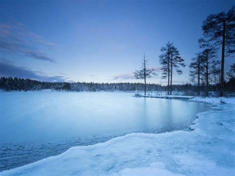 If you've ever wanted to play golf on a frozen lake, you